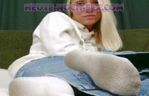 Frau mit Schweißfüßen will Sex Dates in Bern machen.